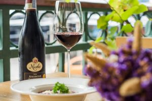 Read more about the article ทำไมไวน์จึงเป็นเครื่องดื่มที่ได้รับความนิยม