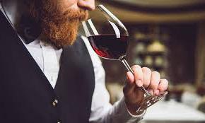 ดื่มไวน์ให้เป็นจะได้ไม่อาย