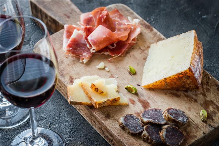 ไวน์กินคู่กับอะไรถึงจะอร่อย